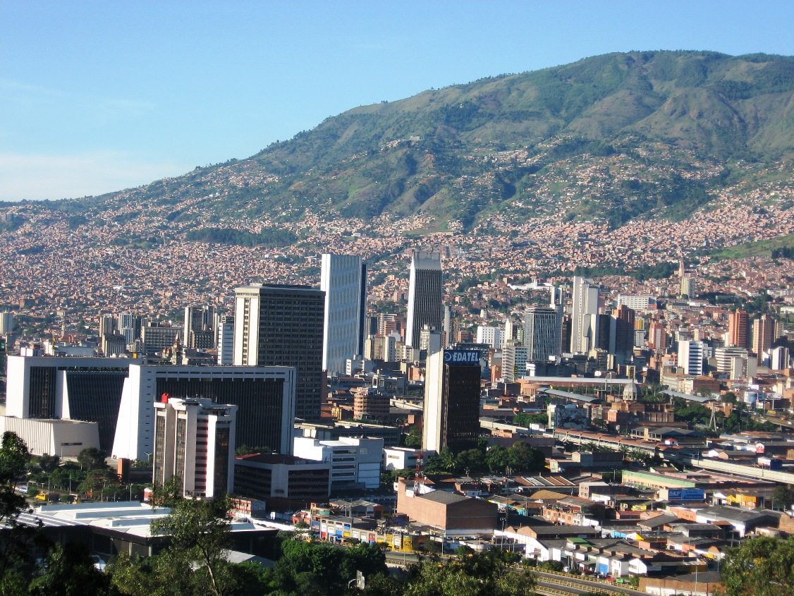 Urban seismic risk index for Medellín, Colombia, based on probabilistic loss and casualties estimations